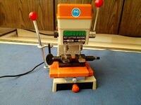 Universal key cutting machine and door key Cutting Machine Locksmith Equipment Key Duplicating Machine