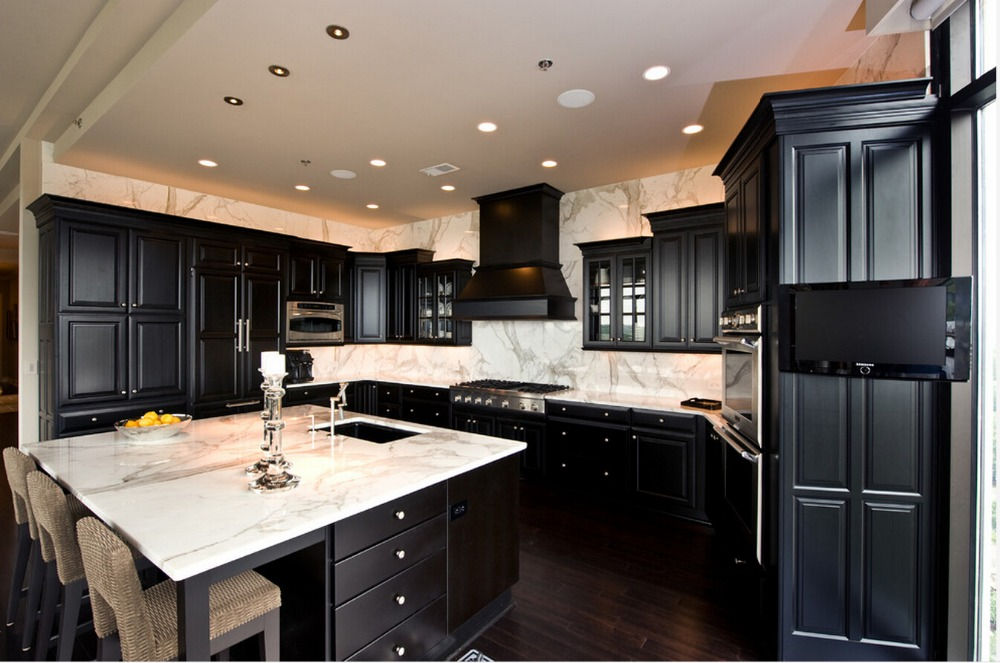 2017 Hot Sales New Design Classic Custom Made Solid Wood Kitchen Cabinets Shaker Panel Wooden Kitchens With Island SKC1612031