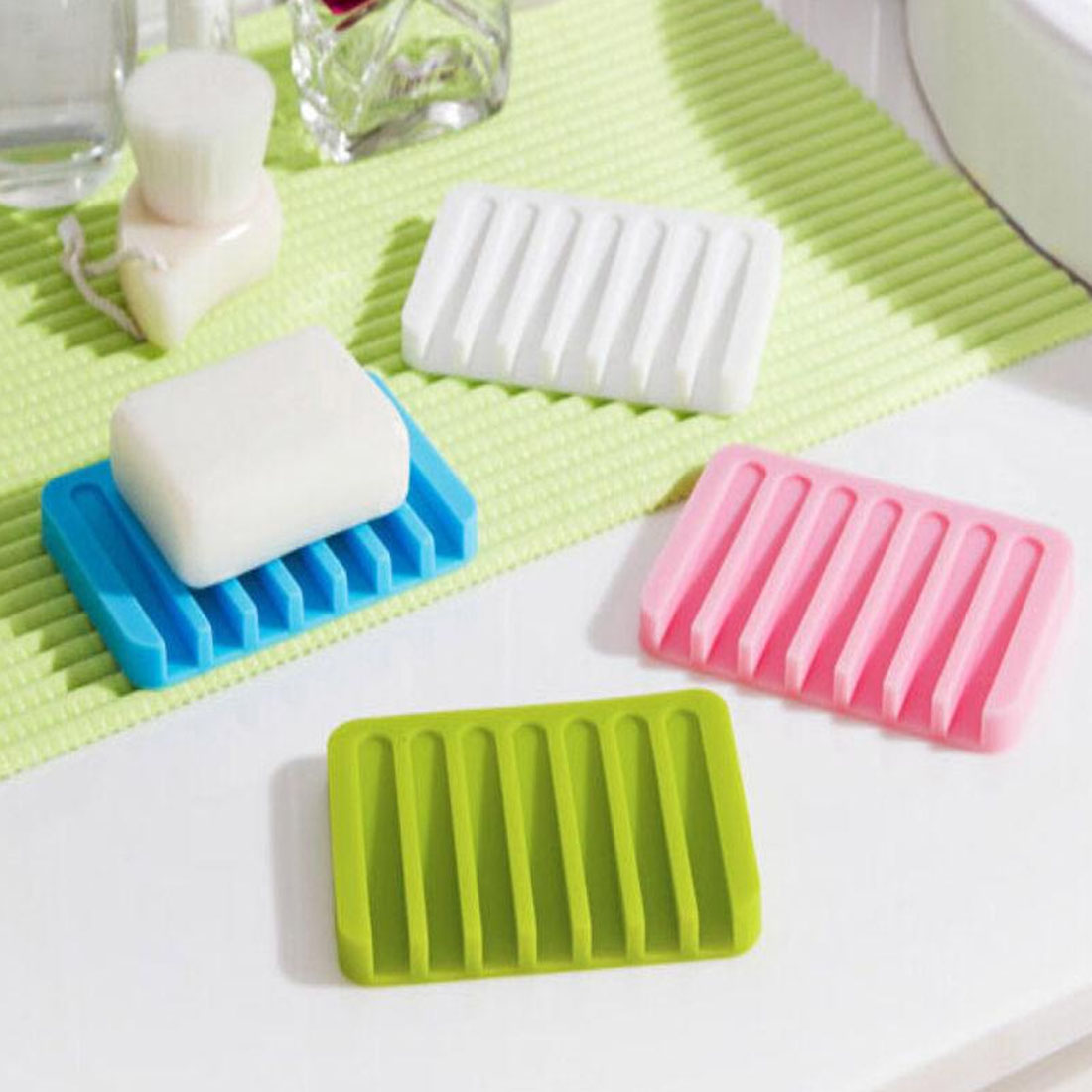 New 2019 Silicone Soap Dishes Kitchen Bathroom Flexible Soap Plate Tray Soap Box Non-Slip Overhead Design Drain Soap Box Holder