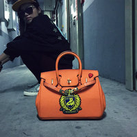QSSH New Winter Bear Badge Embroidery Platinum Package Embossed Shoulder Bag Handbag Portable Xiekua Package