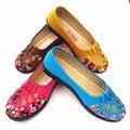 Old Beijing sapato feminino com apartamentos de fundo mulheres de verão slip-on sapato ventilação oco mãe idosa chaussure pius size35-41