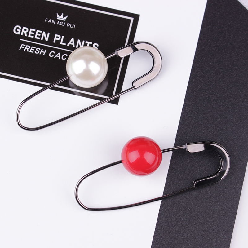 New design Red Pearl Brooch simple Shawl Cardigan Sweater brooch Coat Pins Clothing Accessories