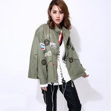 [TWOTWINSTYLE] streetwear bomber jacket women basic coat 2016 korean embroidery patches army green windbreaker boyfriend fashion