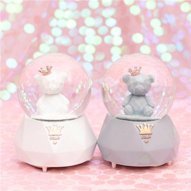 Couple romantique flamant rose ours boule de cristal couronne ours boîte à musique neige automatique avec flocons de neige veilleuse boule de boules de neige