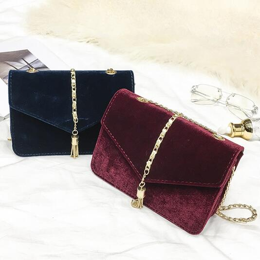 Winter Fashion Retro Handbag 2017 New High-quality Gold Velvet Women bags Handbags Simple Phone bag Chain Shoulder Messenger Bag 95 120usd popular high quality ba lovely retro fashion handbags messenger double back college bai le li 3 22
