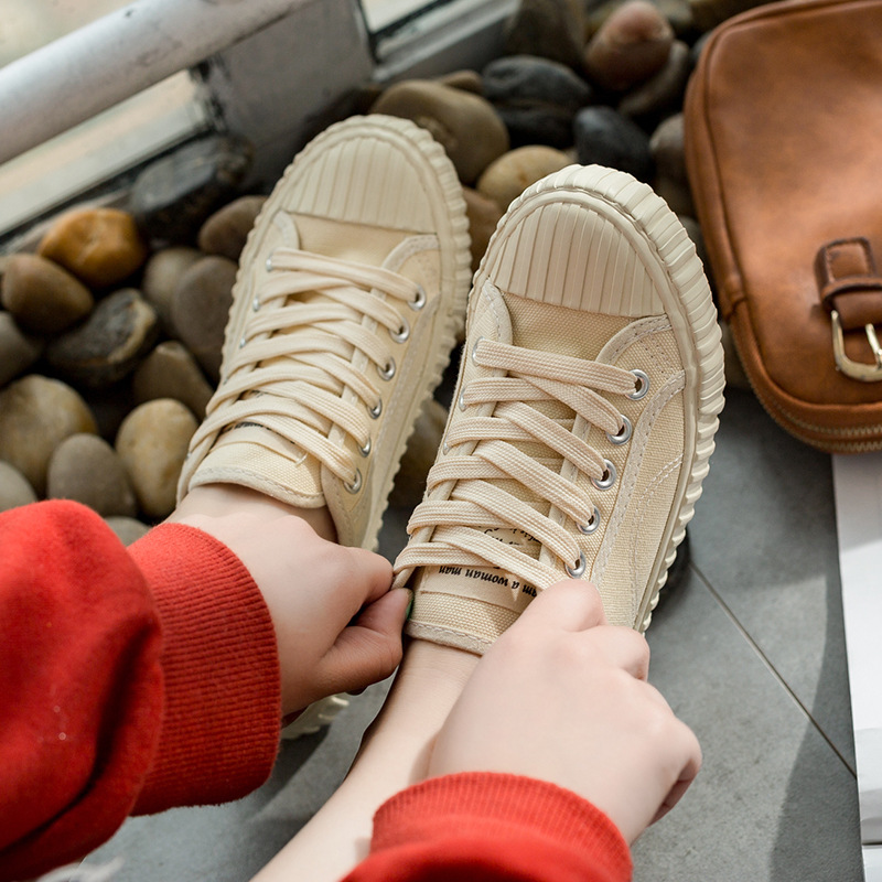 HUANQIU Women Shoes Spring 2018 New Female Canvas Shoes Solid Color Fashion Sneakers Lace Up Flats Green Yellow White Black huanqiu white women vulcanize canvas shoes low breathable female solid color flat shoes casual candy colors leisure cloth shoes