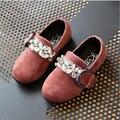 2017 nova primavera camurça material de menina shallow boca flat shoes, decoração diamante doce menina princesa partido shoes para 1-12 anos
