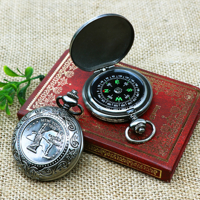 2019 Vintage pocket watch style Compass Classic print gift point North outdoor climb Compass Precision Guide Camp hunt Compass