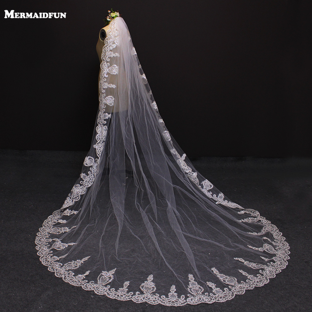 2019 One Lace Edge 3 meter Bling Sequins Cathedral Wedding Veil med Comb 3M White Ivory Bridal Veil Sluier