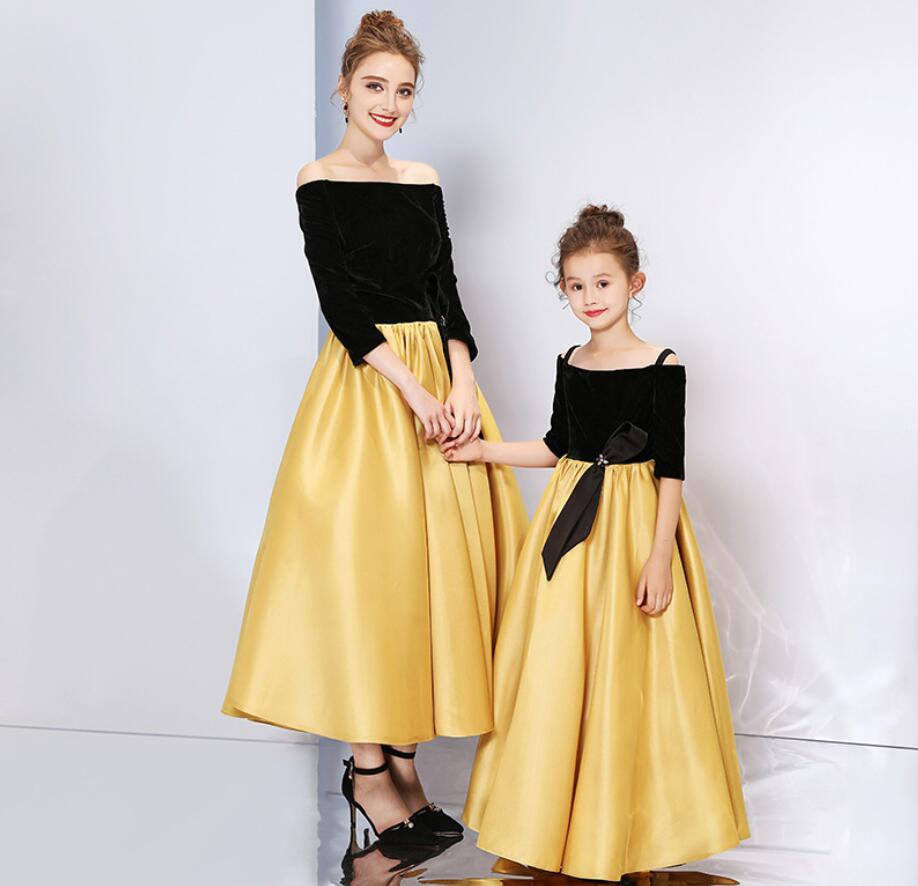 Mode famille correspondant vêtements mère fille robes femmes robe bébé fille Mini robe maman bébé fille fête vêtements HW2382
