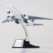 цена на collectible 13cm airplane model toys air France airlines Boeing B777 aircraft model diecast plastic alloy plane gifts for kids
