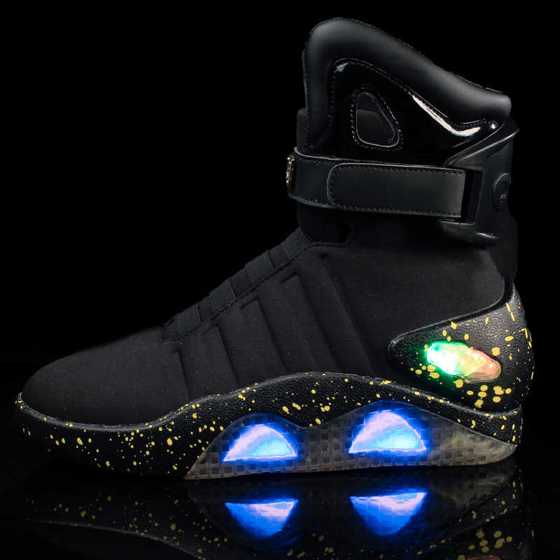 Toekomstige wereld soldaten Mannen basketbal schoenen Limited Edition Led Luminous Light Up Hight Top laarzen USB Lading wandelschoenen 45 46