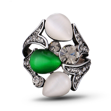 Vintage Big Opal Green Stone Rings Flower Silver Color for Woman Wedding Band Jewelry Gift J02333