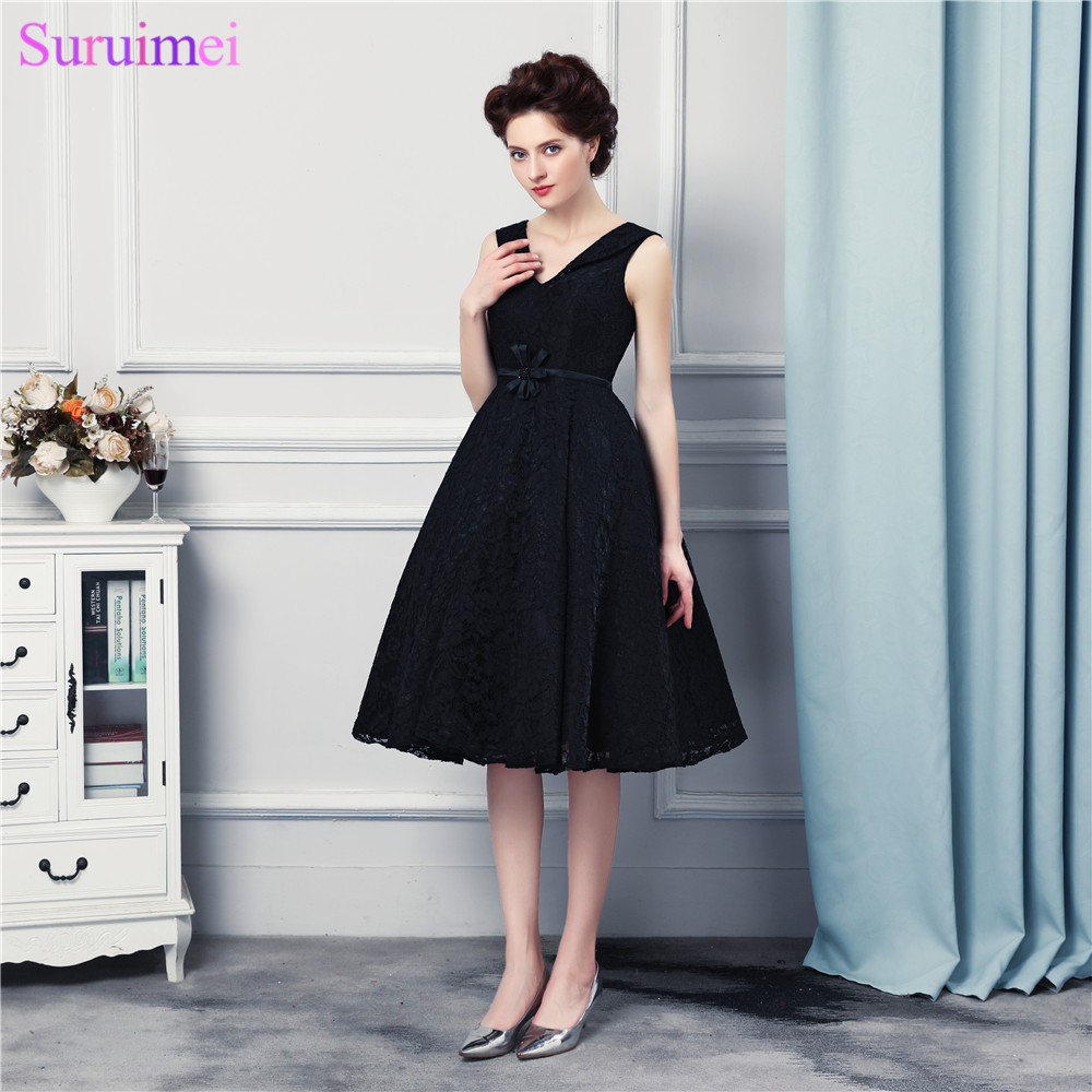 Watch! Latest Design Short Prom Dresses V neck with Spaghetti Straps High Qualit Lace Black Prom Gown Corset Back