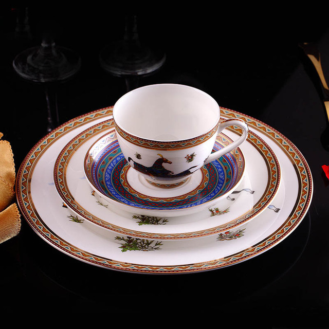 European Style Dinnerware Set Bone China Flatware Dessert Dish Porcelain With Tea Cups Set