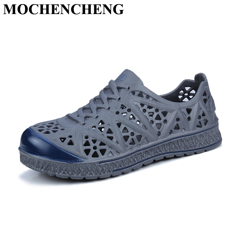 New Casual Shoes Men Sandals for Summer Breathable Hollow Garden Clogs Light Soft Pvc Leisure Shoes Hard-wearing Non-slip Shoes