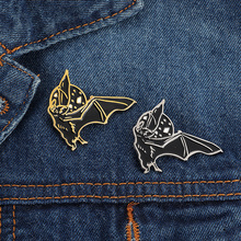 Vintage Punk Brooch Gold Silver Black Bat enamel Pin Halloween badge Gift Boy Lapel Backpack accessories