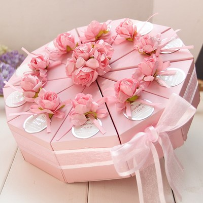50pcs Pink / Blue Triangular Cake Style Wedding Favors Candy Boxes Party Paper Gift Box With Faux Flower Tags Ribbons (5 Cakes)