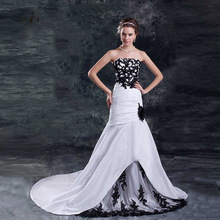 Black and White Mermaid Wedding Dresses 2017 Lace Appliques with Beads Hochzeitskleider 2017 Flowers Wedding Gown Custom Made