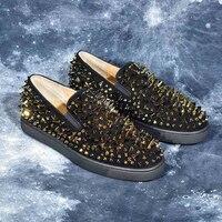 Модные Мужская обувь черный верх с шипами заклепки круглый носок Лоферы Для мужчин Элитный бренд Tenis Masculino Повседневная обувь Для мужчин