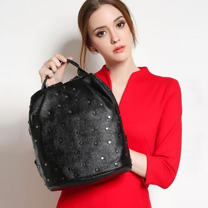 Fashion Women Backpack High Quality Rivet Genuine Leather School Bags For Teenage Girls Women Backpack Female