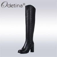 Odetina Новинка 2017 года 100% натуральная кожа блок Сапоги до колена на высоком каблуке круглый носок Зимние теплые Сапоги в жокейском стиле с зак