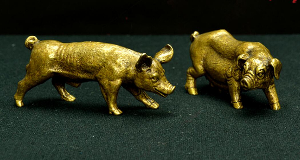 China Pure brass Daddy pig and mommy pig small statue