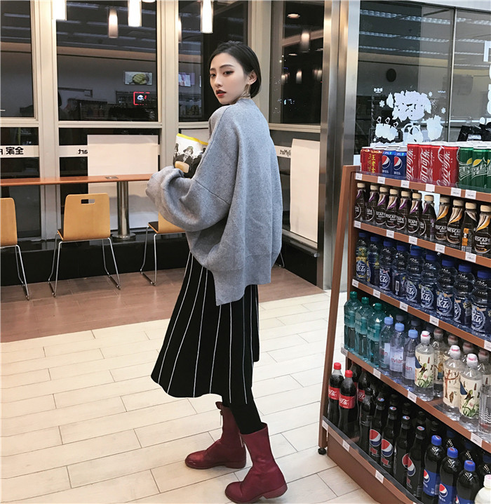 HTB1Nd1fOVXXXXXzXXXXq6xXFXXX9 - FREE SHIPPING Womens Skirt Vintage  Line Striped Slim High Waist Knitted Long Black Grey JKP248