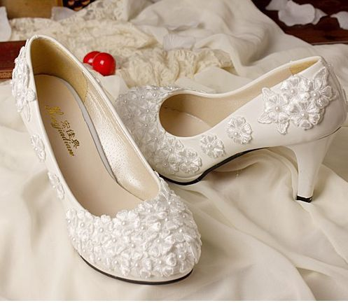 2017 Fashion Ivory Lace Wedding Shoes For Bridals High Low No Heel Handmade Womens Pumps