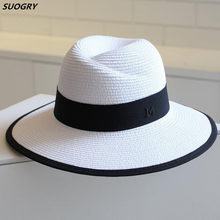 Nueva llegada del verano moda letra M sombrero de paja para las mujeres ala  grande M Panamá fedora paja de viaje playa sombrero . f42ee5a6748