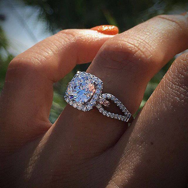 Style White Crystal 925 Silver Rings For Women Wedding Cubic Zirconia Ring Fashion Jewelry Cubic Zirconia Ring Luxury Brand Ring