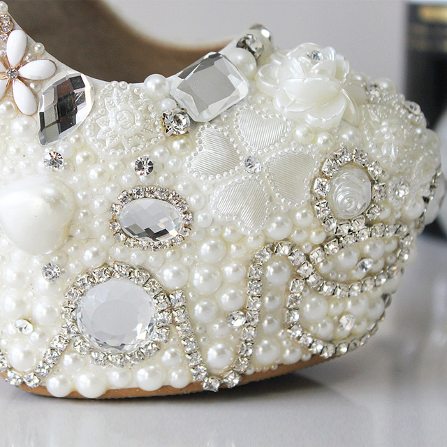 shoes women new wedding shoes pure white Pearl Diamond crystal shoes waterproof single white bride wedding shoes party showing
