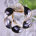 Multifunctional Round Flower Corsage Gold Plated Enamel Scarf Buckles Crystal Brooches Dress Brooch High Quality Women Bijoux