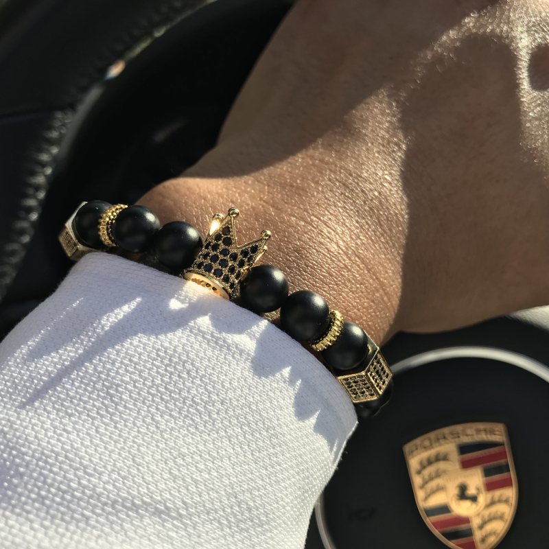 Mcllroy Micro Pave CZ Zircônia Ouro Rei Coroa Charme Pulseira Preta Dos Homens De Pedra Bead Bracelet mens jóias 2018 moda dos namorados