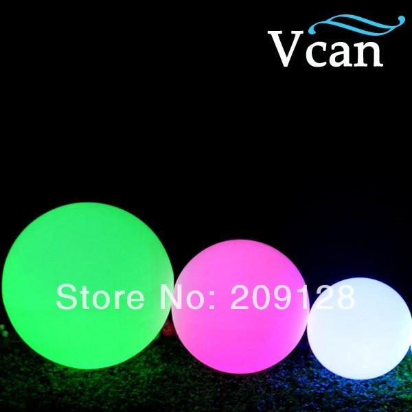 Işıklar ve Aydınlatma'ten Tatil Aydınlatması'de Moda Uzaktan Kumanda light up beyaz renk 16 renkler Plastik Topu 20 cm VC B200 otel için title=