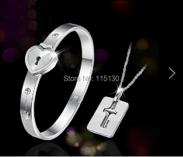 Stainless Steel Eternal Love Heart Bangles For Women Titanium Couples Lock & Keys Bracelets & Bangles 2016 Fashion Jewelry