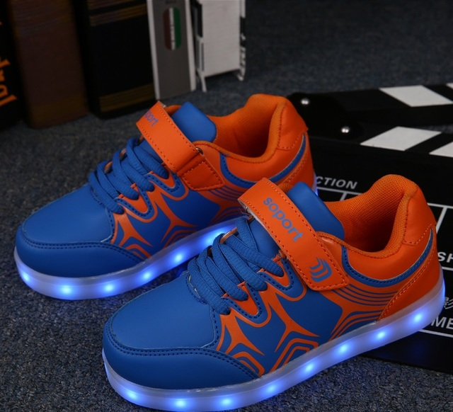 Hot sell 2017 Children shoes Boys Girls LED Light USB Recharging glowing shoes Children Luminous Sneakers 8 colour Eu 25-36