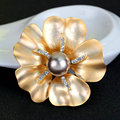 High Quality Classic Pearl Big Flower Brooches Crystal Rhinestone Wedding Jewelry For Women Day As Gifts Free Shipping