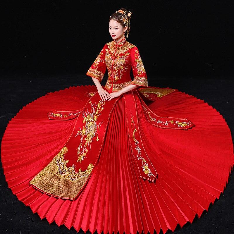 5140c28a8 Novia rojo chino tradicional boda Vestido plisado de Cheongsam raso bordado  Qipao