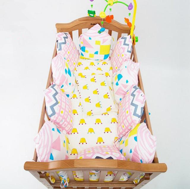 Multi-funcional Bumpers Algodão Infantil Encantador dos desenhos animados Do Bebê Almofadas Destacáveis 11 Desenhos Em Estoque 6 pçs/set Para 120x60 cm Berço
