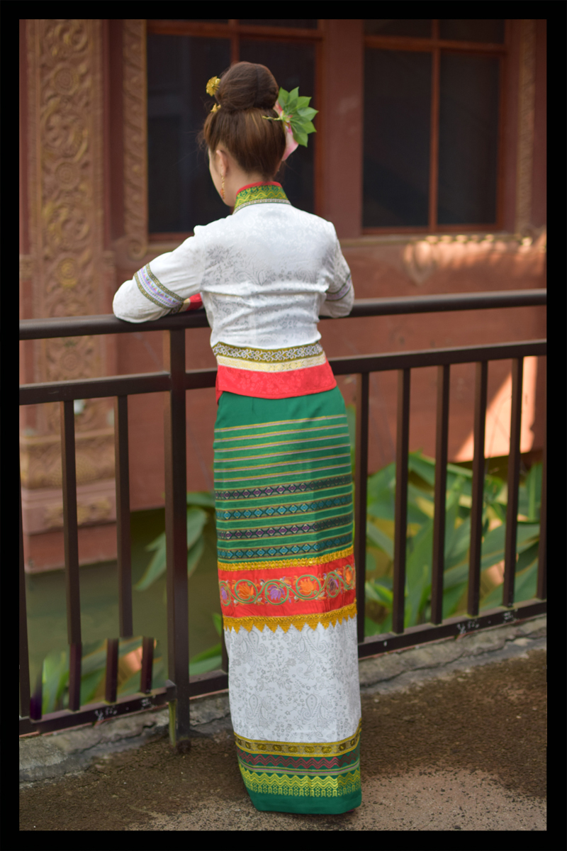 Thailand Traditional Retro Dai Orange White Green Ethnic minority Festival Dresses Yunnan Dai Princess Clothes Jacket + Skirt 1