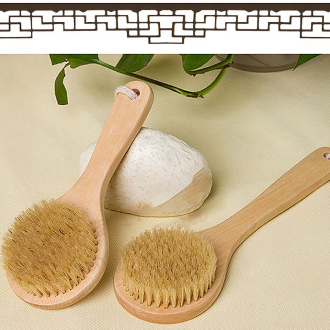 Good Sale Bath Brush Wood Handle Natural Bristle Middle Long Handle Wooden Shower Body Bath Brush Round Head Bath Accessory