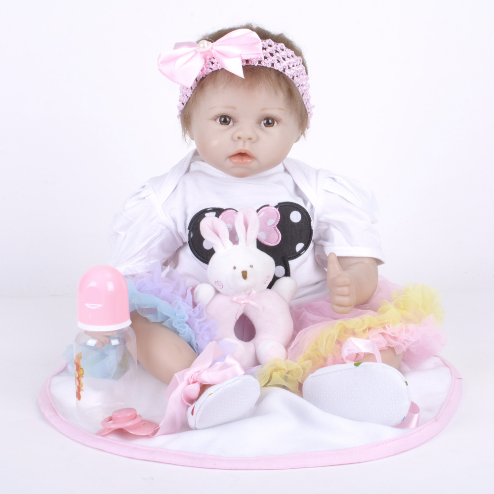 22 inches Lovely Silicone Newborn Princess Girl Doll Reborn Baby Doll Toy with Cloth Body for Kids Birthday Xmas Gift 22 inches realistic reborn girl doll soft silicone lovely princess newborn baby with cloth body toy for kids birthday xmas gift