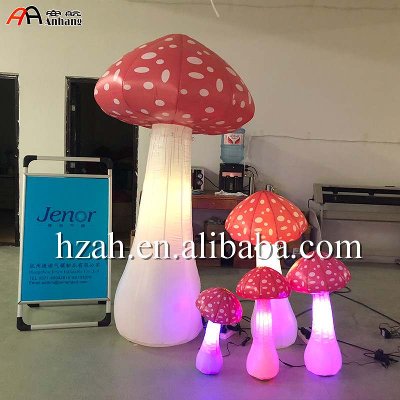 Party Decoration Inflatable Mushroom With Light