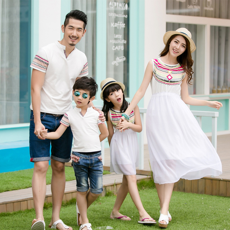 Ethnic Style Family Vacations Summer Matching Outfit Totem Mother Daughter Chiffon Dress Dad Son Short Sleeve V neck T-Shirt