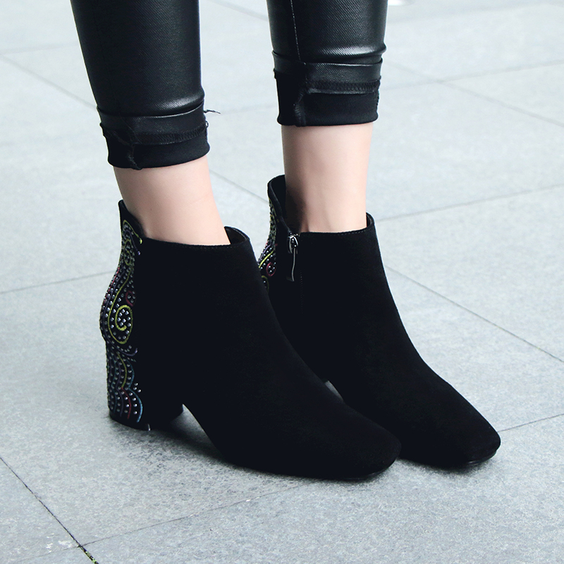 Womens Genuine Suede Leather Totem Embroidery Rivet Autumn Ankle Boots Brand Design High Quality Square Toe Short Booties Shoes