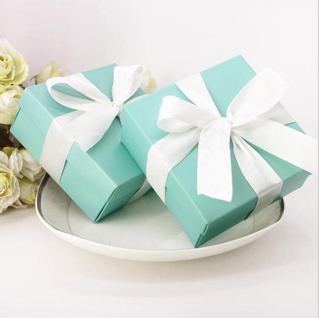 100pcs Tiffany Blue Wedding Favors Candy Box Wedding Candy Holders