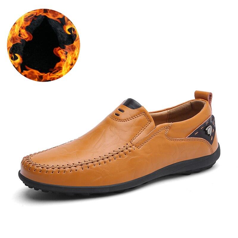 Achat De luxe Designer Sneakers Hommes En Cuir Véritable Chaussures Slip  Sur Mocassins Mocassins Hommes En Cuir Casual Chaussures D été De Mode  Grande ... eb07090972a