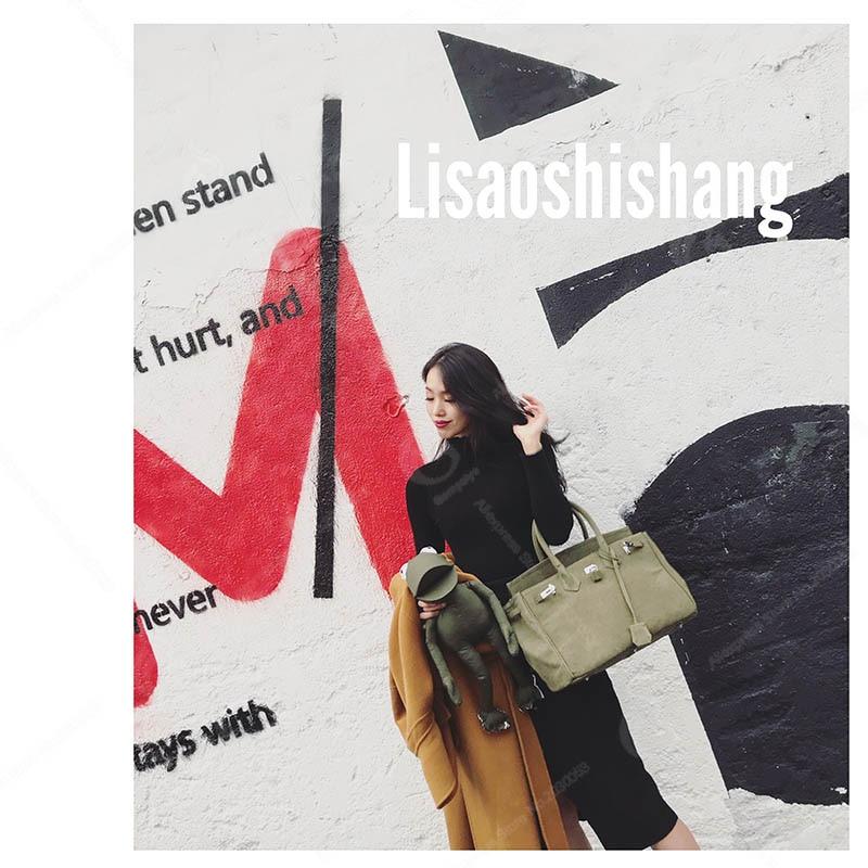 a24a04855b13 2018 Fashion Big Crossbody Bags for Men Messenger Bags Hand Painted  Graffiti Pop Rock Skull Male Travel Handbags Canvas Satchel Travel Handbag  Smith Big ...