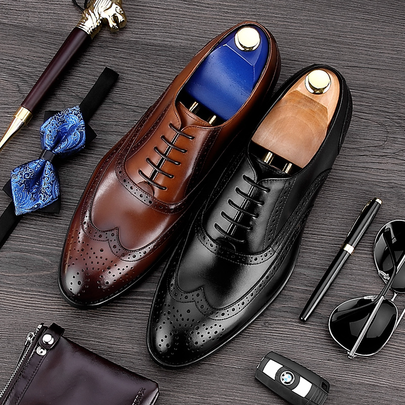 luxury round toe breathable man formal dress shoes genuine leather derby carved oxfords famous men s bridal wedding flats gd78 Vintage Man Carved Brogue Shoes High Quality Genuine Leather Formal Dress Oxfords Round Toe Men's Luxury Wing Tip Flats MG44